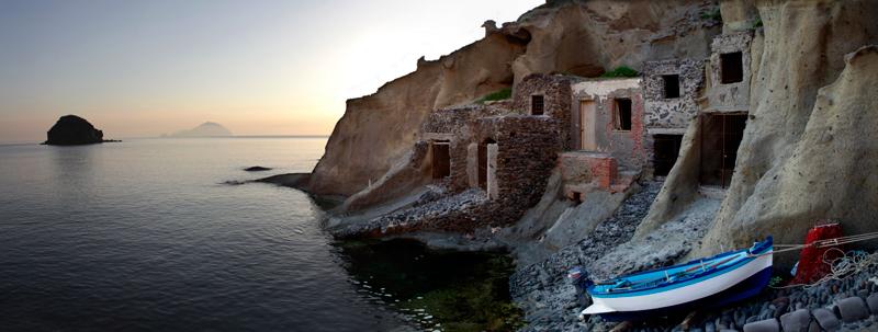 Guarda le foto dell 39 isola di salina vacanze a salina for Cabine dell isola di buggs